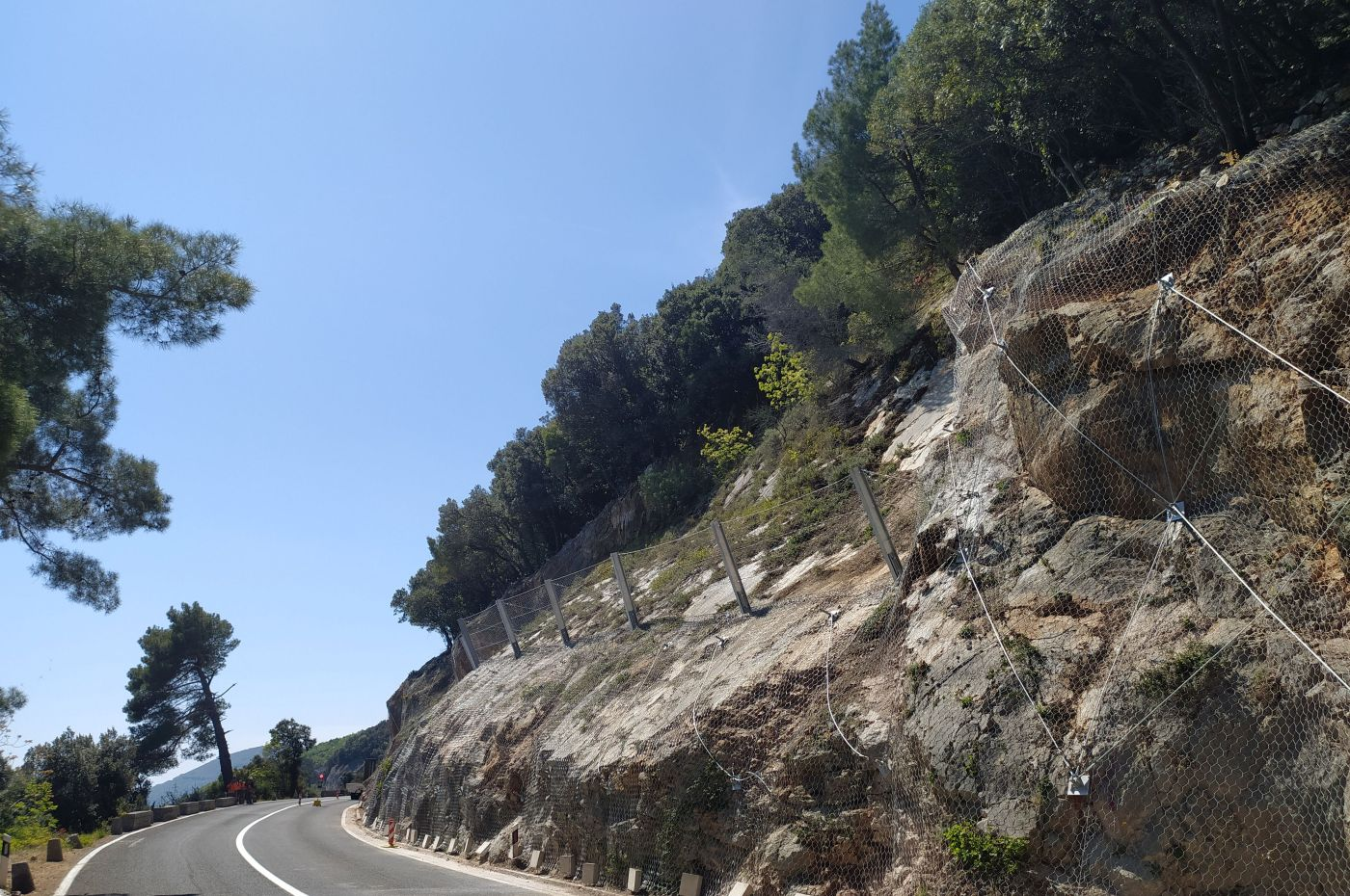 installed rockfall barriers