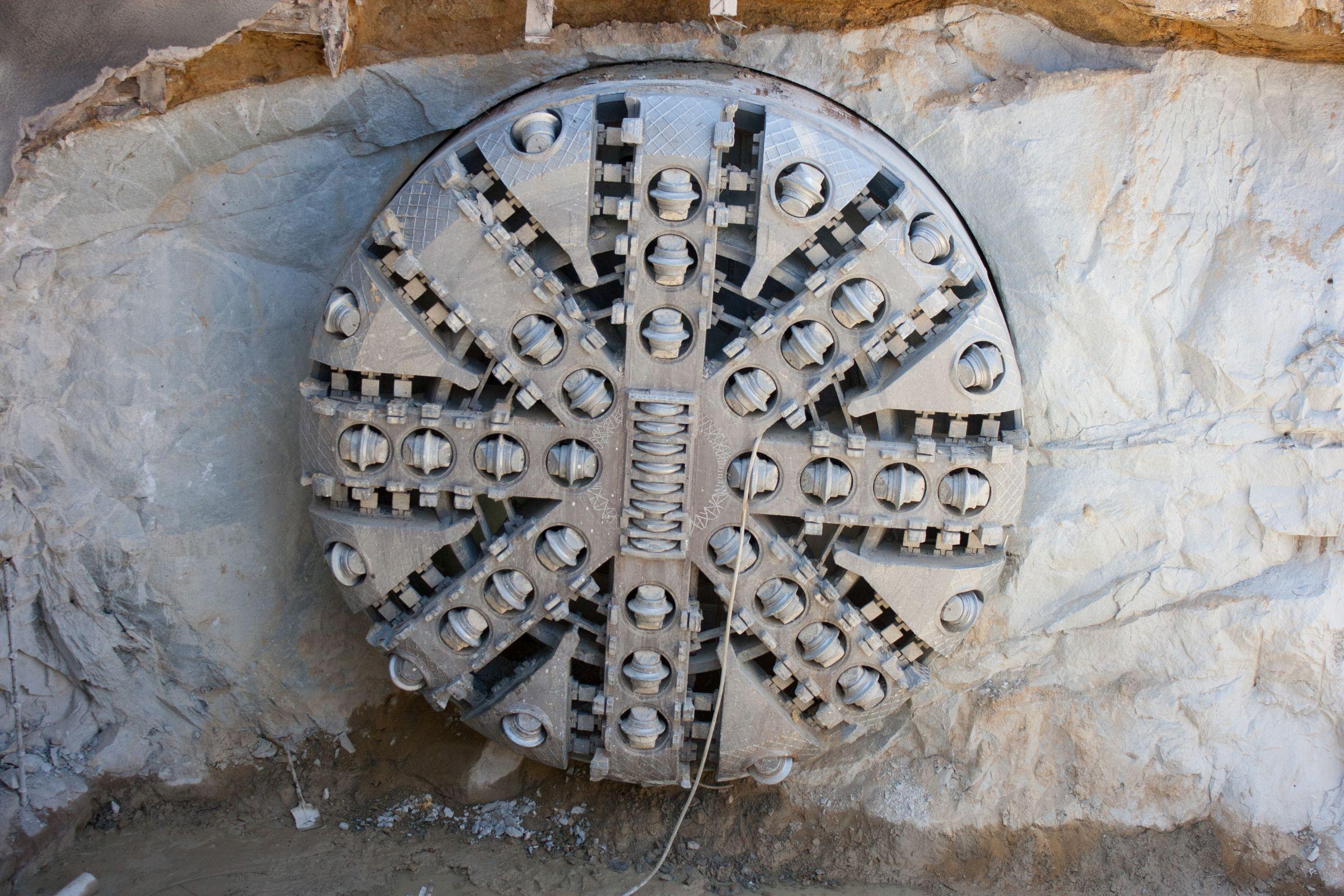 strojevi za bušenje tunela