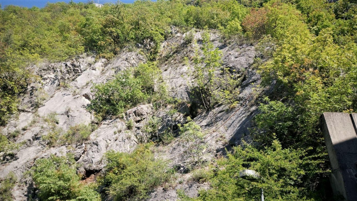 zaštita stijenskog pokosa od odrona - prikaz nestabilnih dijelova